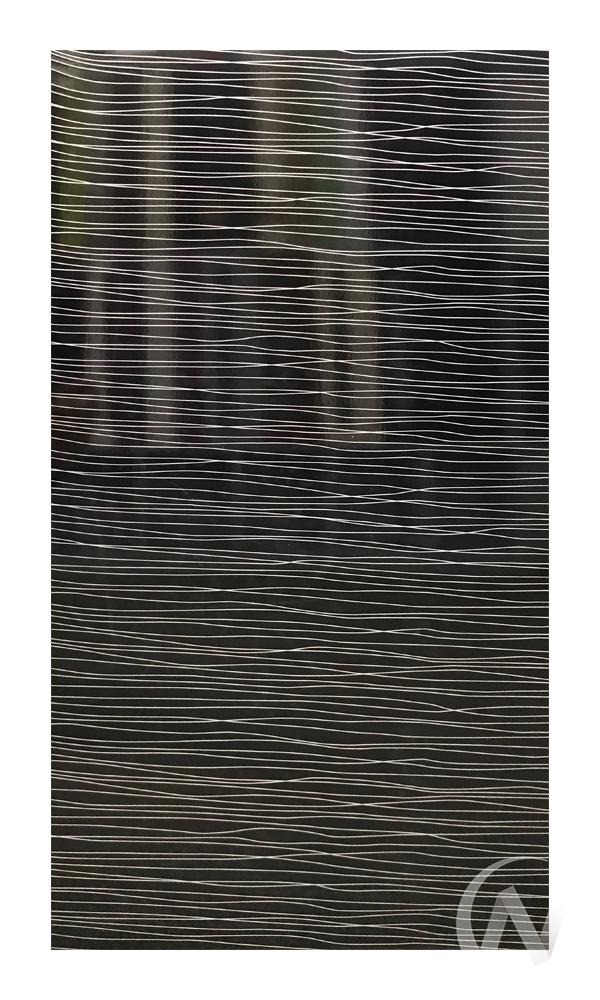 """Кухня """"Валерия-М"""": Страйп белый/Страйп черный (корпус венге) в Томске — авторская мебель Экостиль"""